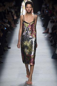 Rochas Spring 2016 Ready-to-Wear Fashion Show - Lineisy Montero (Next)