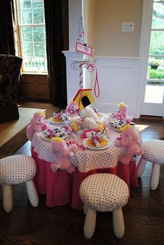 Fancy Nancy Party- love the pink poodles joining the table!
