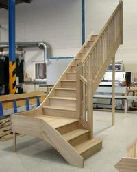 Craftsmans Oak quarter landing staircase