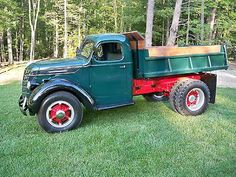 International Harvester : Other 2 Door Dump Body 1940 D30 International Dump Truck - http://www.legendaryfind.com/carsforsale/international-harvester-other-2-door-dump-body-1940-d30-international-dump-truck/
