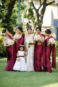 Candid picture of the bridal squad Indian Bridesmaid Dresses, Bridesmaid Saree, Wedding Flower Girl Dresses, Bridesmaid Outfit, Wedding Bridesmaid Dresses, Bridesmaid Ideas, Flower Girls, White Saree Wedding, Indian Wedding Sari
