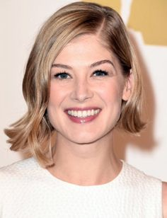 Rosamund Pike Asymetrical blonde bob