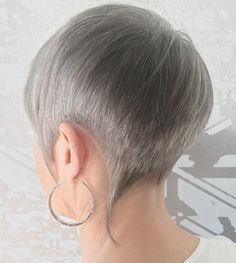 Popular Haircuts For Short Hair Men Trendy Haircuts For Women, New Haircuts, Short Hair Cuts For Women, Short Hairstyles For Women, Short Hair Styles, Pixie Hairstyles, Trendy Hairstyles, Pixie Haircuts, Pompadour Hairstyle