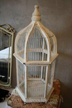 Brocante Wonen - d'Oude Serre - Hoge brocante vogelkooi