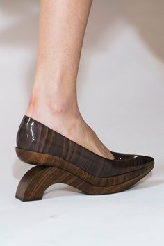 Acne Studios at Paris Fashion Week Spring 2017 - Details Runway Photos Sock Shoes, Cute Shoes, Me Too Shoes, Shoe Boots, Women's Shoes, Creative Shoes, Unique Shoes, Crazy Shoes, Beautiful Shoes