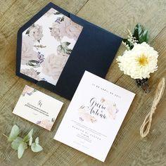 G & A. Wedding invitation. Invitaciones de boda. Papelería social. Stationery. Hotstamp. Gold foil. Flores. Flowers. Pastel color. Colores pastel.