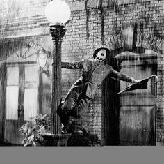 "Singin' in the Rain 1935? Eugene Curran ""Gene"" Kelly (August 23, 1912 – February 2, 1996)"