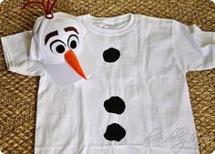 Disney Costumes copy - I am so beyond excited for our family to hit Mickey's Not So Scary Halloween Party this year decked out in our FROZEN finery! We learned a few key lessons at last year's event… It is HOT so dre… Costumes Disney Faciles, Costumes Halloween Disney, Adult Disney Costumes, Halloween Party Kostüm, Frozen Costume Adult, Olaf Halloween, Couple Halloween, Diy Olaf Costume, Fairy Costumes