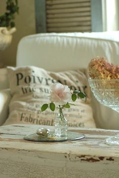 Soft furnishings and roses for your shabby chic home