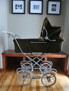 I love these old fashioned baby strollers! Totally want one! If only it were more practical...... Lol