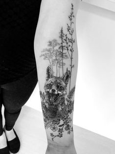 Fröhilcher Fuchs Tattoo für Frauen Fröhilcher Fox Tattoo for women Natur Tattoo Arm, Tattoo Arm Frau, Natur Tattoos, Kunst Tattoos, Wicked Tattoos, Cool Arm Tattoos, Arm Tattoos For Guys, Cute Tattoos, Beautiful Tattoos