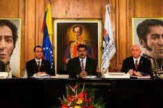 """El presidente Maduro amenaza con confiscar tiendas. Dispuesto a todo contra la """"burguesía parasitaria"""" –la oposición-: """"Si tengo que confiscar almacenes enteros para sacarle al pueblo sus productos y venderlos a precios justos, lo voy a hacer""""."""