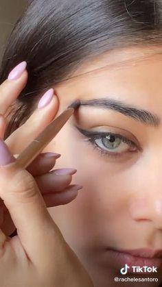 Edgy Makeup, Makeup Eye Looks, Makeup Art, Makeup Tips, Simple Makeup, Makeup Tutorial Eyeliner, Makeup Looks Tutorial, Eyebrow Makeup, Skin Makeup