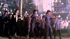 "Its #InternationalKissingDay so lets celebrate it wid a dancing song ""Jumma Chumma De De"" with #AmitabhBachchan"