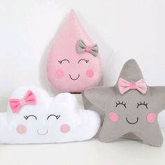 Wolken- Stern- und Gothic-Kissen ab US-Dollar passen wir jedes Design an - The world's most private search engine Cute Pillows, Baby Pillows, Baby Bedroom, Baby Room Decor, Baby Crafts, Felt Crafts, Baby Shower Deco, Diy Bebe, Cloud Pillow