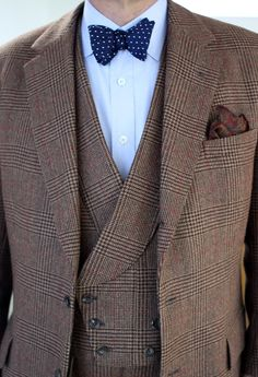Will Boehlke of A Suitable Wardrobe in a beautiful Lovat tweed made up as a three-piece with great double breasted waistcoat, a very 'city' cut juxtaposed against the 'country' style cloth.  ( via voxsart )