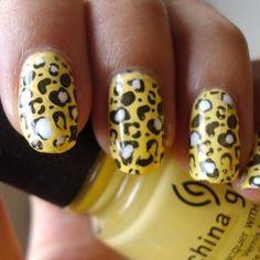 animal print nail trend
