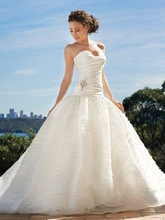 Glamorous Sweetheart Taffeta & Organza Ball Gown Floor Length Wedding Dresses