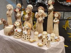 Beroun - hrnčířské trhy - květen 2012 – jitkaw – album na Rajčeti Paper Clay Art, Clay Figurine, Cute Clay, Pottery Classes, Ceramic Animals, Air Dry Clay, Cold Porcelain, Creative, Projects To Try