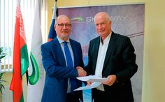 """Dr. Anatoly Yunitskiy and Mr. Rod Hook  From 8 to 11 September 2015 design enterprise """"SkyWay Technologies Co."""", which is a part of the SkyWay group of companies, was visited by a delegation of partners from Australia headed by Rod Hook, a former head of the Department of Transport, Planning and Infrastructure of South Australia and the head of the consulting company Rod Hook and Associates (RHA)"""