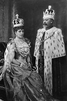 The coronation of Edward VII and his wife Alexandra as King and Queen of the United Kingdom and the British Empire took place at Westminster Abbey, London, on 9 August Originally scheduled fo… Elizabeth Ii, Princesa Alexandra, Prinz Philip, Alexandra Of Denmark, Queen Victoria Prince Albert, King Edward Vii, Pearl And Diamond Necklace, Royal Crowns, Royal Tiaras