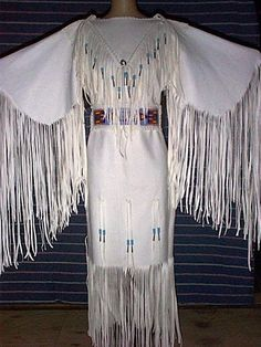 Native American Wedding Dress. In christian cultures a white wedding dress is worn to symbolize purity. The Native Americans clearly had the same idea in mind.