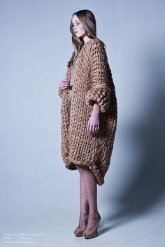 На мой вкус, это лучшая наша фотосессия за эту осень и одновременно превью для нашей новой весенней линии. Design: VINGIL Photo: H. Catherine Model: Katya Surjgina…