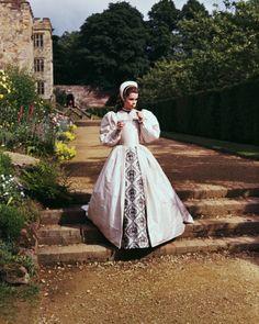 Genevieve Bujold as Anne Boleyn in Anne of a Thousand Days, 1970 Bettmann/CORBIS