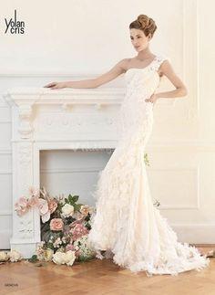 Genova - Divas - Wedding Dresses - YolanCris - WeddingSpot.co.uk