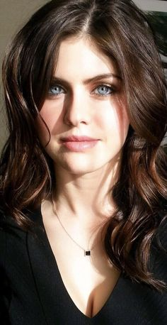 alexandra daddario pics and gifs - Hot Celebrities Beautiful Celebrities, Beautiful Actresses, Alexandra Anna Daddario, Beautiful Eyes, Beautiful Women, Actrices Sexy, Jolie Photo, Pretty Face, Portraits