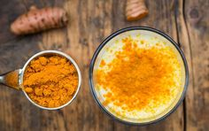Mit Kurkuma schnell gesund abnehmen ½ glass of orange juice, 1 cm small grated ginger, 2 tbsp. Put everything in a glass, stir well and the detox power metabolism drink is ready to lose weight. Smoothie Curcuma, Turmeric Smoothie, Smoothie Detox, Smoothies, Turmeric Tea, Get Healthy, Healthy Snacks, Healthy Eating, Healthy Recipes