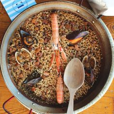 Arròs mariner de L'Estupendu //Web L'Estupendu Barcelona Food, Paella, Ethnic Recipes, Kitchens