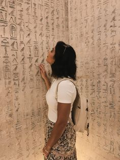 The Perfect Egypt Itinerary - 10 Days of Exploring History - Lisa Homsy Pyramids Egypt, Cairo Egypt, Egypt Travel, Africa Travel, Honeymoon Places, Visit Egypt, Foto Pose, Celebrity Weddings, Photo Tips