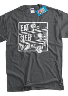 Train T-Shirt workout Eat Sleep train V3 T Shirt por IceCreamTees