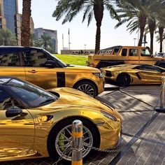 Travel to Dubai to See These Crazy Things Porsche 918, Rolls Royce Phantom, Range Rover Sport, Luxury Boat, Luxury Cars, Bugatti Veyron, Lamborghini Aventador, Ferrari 458, Dubai Cars