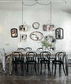 Inspiration in White: Memorable GalleryWalls - lookslikewhite Blog - lookslikewhite