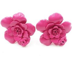 Pre-owned Chanel Gold Tone Fuchsia Flower Clip on Earrings ($390) ❤ liked on Polyvore featuring jewelry, earrings, preowned jewelry, flower earrings, gold tone earrings, pre owned jewelry and metal earrings
