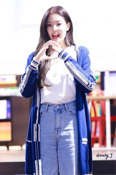 Blackpink Jennie at Gangnam Fansign Kim Jennie, Mamamoo, South Korean Girls, Korean Girl Groups, Ulzzang, Casual Wear, Casual Outfits, Rapper, Fashion Pants