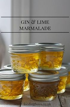 Gin and Lime Marmelade ist ein tolles essbares Weihnachtsgeschenk und . - keighley hayman Gin and Lime marmalade makes a great edible Christmas Gift and is gorgeous on ho. Gin-Limetten-Marmelade i Edible Christmas Gifts, Edible Gifts, Handmade Christmas Gifts, Best Christmas Gifts, Homemade Christmas, Christmas Crafts, Diy Christmas Hampers, Christmas Brunch, Christmas Morning