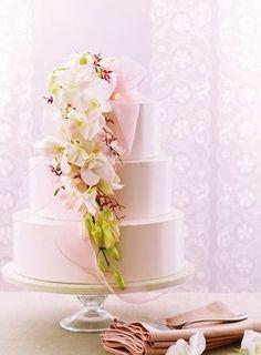Tort Nunta Roz Pal si Model Floral