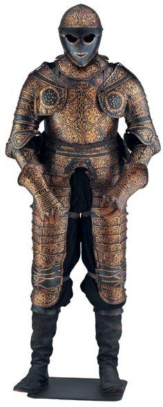Étonnante armure de trois-quarts pour cavalier, entièrement décorée de