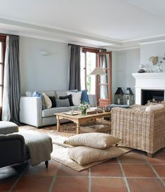 Mix and Chic: Beautiful room ideas! Living Room Modern, Home Living Room, Living Room Designs, Living Room Decor, Apartment Living, Living Room Flooring, Living Room Chairs, Ideas Decoracion Salon, House Worth