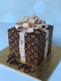 Louis Vuitton fashion cake with bow