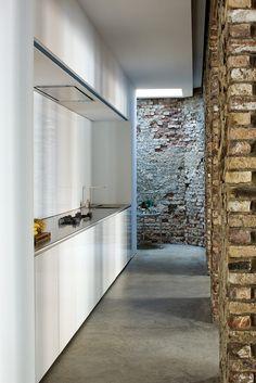 Old Factory Conversion in Dusseldorf / Atelier d'Architecture Bruno Erpicum & Partners