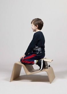 Dutch designer Studio Lancelot has created a series of school chairs that encourage children to frequently change seating positions in the classroom. Classroom Furniture, Classroom Projects, Classroom Design, Woven Image, School Chairs, Improve Posture, Workplace Design, Acoustic Panels