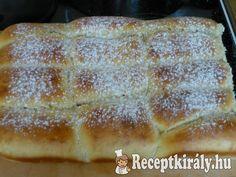 Zablisztes buktaHozzávalók:50 dkg sima liszt 10 dkg zabliszt 6 dkg olvasztott margarin csipet só 1 citrom reszelt héja 3 ek Xilit 3 dl tej (ha szükségesnek látod tehetsz még kb 0,3 - 0,5 dl- t bele) 2,5 dkg élesztő 1 eg Hot Dog Buns, Hot Dogs, Banana Bread, Diet, Food, Deserts, Eten, Get Skinny, Meals