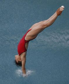 Diving Springboard, Olympic Athletes, Spanish Language Learning, Sporty Girls, Sports Photos, Famous Women, Female Athletes, Sports Women, Beautiful Images