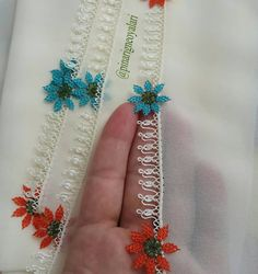 @pinarigneoyalari 👈 #igneoyasimodelleri #sunum #elemeği #göznuru #ceyizlik #havlu #mutfakhavlusu #namazörtüsü #tülbent #igneoyasi… Viking Tattoo Design, Viking Tattoos, Knitted Poncho, Knitted Shawls, Knit Shoes, Sunflower Tattoo Design, Homemade Beauty Products, Foot Tattoos, Knitting Socks