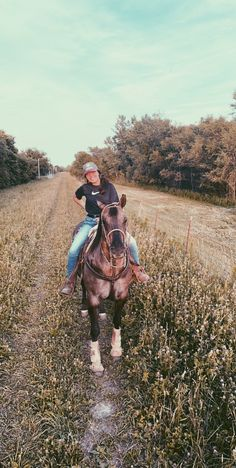 Foto Cowgirl, Estilo Cowgirl, Cowgirl And Horse, Horse Girl, Horse Riding, Cute Horses, Horse Love, Beautiful Horses, Cute Horse Pictures