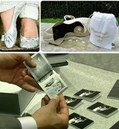 Sapatilhas para serem oferecidas as convidadas substituem os antigos chinelos de plástico. O mini álbum é uma ótima opção de lembrancinha pós festa. |  yasminlingerie.com.br